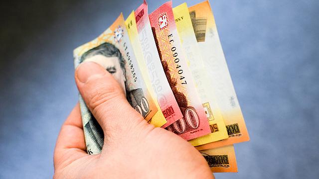 társadalmi pénzt keresni