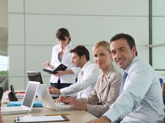 munkát keres a neten opciós kereskedési gyakorlat