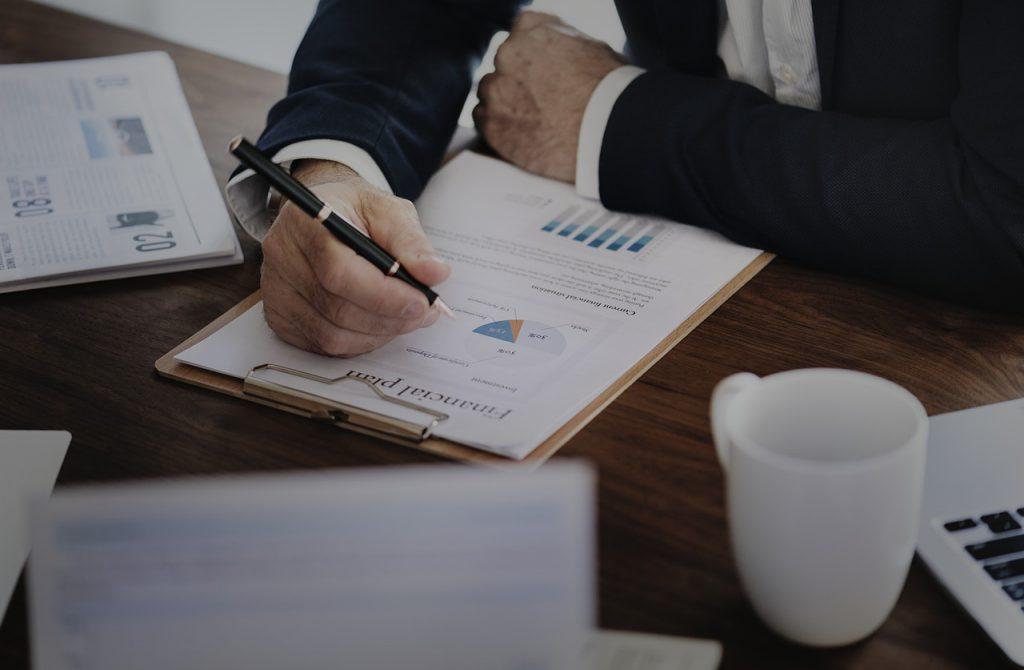 Indexkövető stratégiák, befektetések: kockázatok, veszélyek, mire figyeljünk
