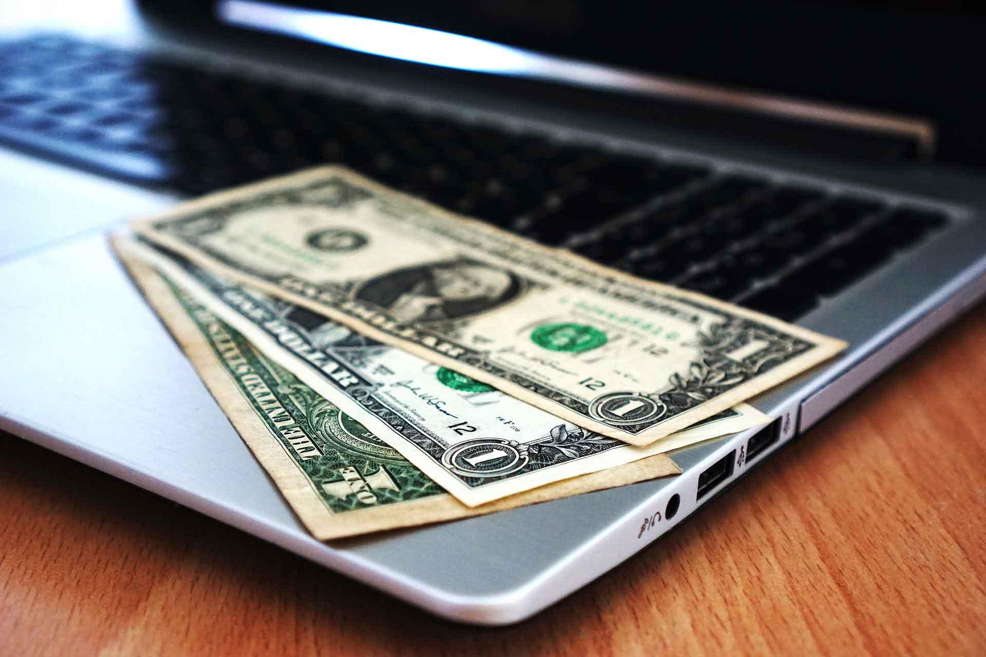 milliomosok akik pénzt kerestek online